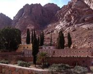 egypt;-sinai;-mt-sinai;-st-catherines-monastary;-monastary;-bush;-burning-bush;-church;-st-catherines;-chapel;-monks