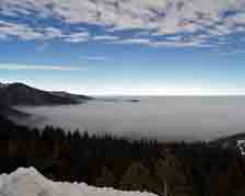 nevada;valley;fog;mt-rose;mountains;carson-valley;fog-shrouded-valley;valley-view;shrouded-in-fog